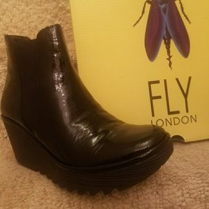 Trendy Fly London!